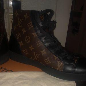 Men's Vuitton boots size 9